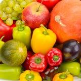 新鲜水果设置了蔬菜 明亮的美好的背景 免版税库存图片