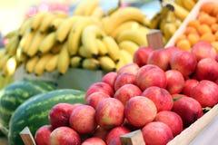 新鲜水果销售额 图库摄影