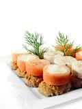 新鲜的三文鱼俄式薄煎饼 库存图片