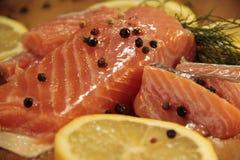 新鲜的三文鱼柠檬,挪威语 库存图片