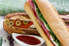 新鲜的三明治的2种不同类型 库存图片