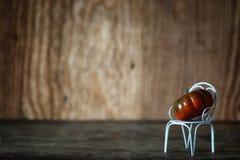 新鲜的南瓜在椅子的内部木室 库存照片