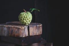 新鲜的南美番荔枝 免版税库存照片