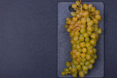 新鲜的可口和健康有机康科德紫葡萄 免版税库存图片