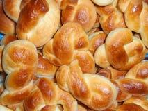 新鲜的复活节面包 免版税库存照片