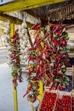 新鲜的大蒜、胡椒和蕃茄 库存照片