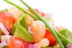 新鲜的大虾沙拉用鲕梨和蕃茄 免版税库存图片