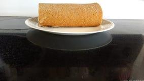 新鲜的大面包祖母的板材 免版税库存图片