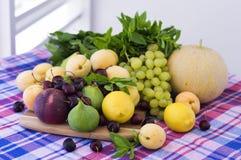 新鲜的季节性果子 库存照片
