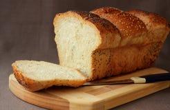 新鲜的家制面包 免版税库存图片