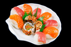 新鲜的寿司传统日本食物 免版税库存图片