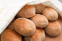 新鲜的小圆面包 库存图片
