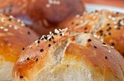 新鲜的小圆面包 库存照片