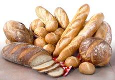 新鲜的工匠面包 免版税库存图片