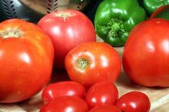 新鲜的庭院蔬菜 图库摄影