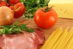 新鲜的成份意大利面食 图库摄影