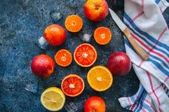 新鲜的成熟柑橘水果的混合当血橙,普通话, le 库存图片