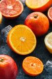新鲜的成熟柑橘水果的混合 血橙,普通话, lemo 库存图片