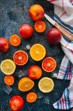 新鲜的成熟柑橘水果的混合 血橙,普通话, lemo 图库摄影
