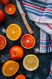 新鲜的成熟柑橘水果的混合 血橙,普通话, lemo 库存照片