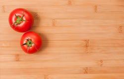 新鲜的成熟蕃茄。 库存图片