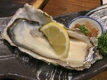 新鲜的日本牡蛎 免版税库存照片