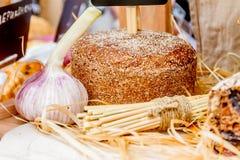 新鲜的有机家制面包 免版税库存照片