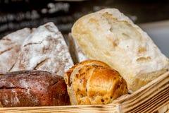 新鲜的有机家制面包 库存图片