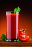 新鲜的有机西红柿汁 库存照片