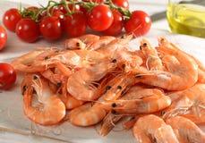 新鲜的未加工的桃红色海洋大虾 免版税库存照片