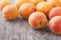 新鲜的杏子 图库摄影