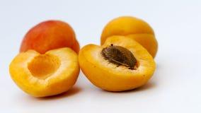 新鲜的杏子 免版税库存图片