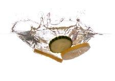 新鲜的柠檬和黄瓜 免版税库存图片