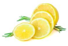 新鲜的柠檬用迷迭香 图库摄影