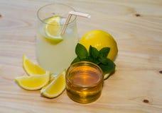 新鲜的柠檬水 免版税图库摄影