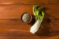 新鲜的根和茴香籽 图库摄影