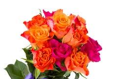 新鲜的桃红色和橙色玫瑰花束  免版税库存照片