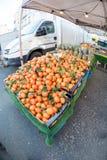 新鲜的桔子在市场上在布鲁塞尔 免版税库存照片