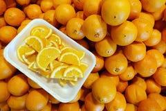 新鲜的水多的果子桔子 库存照片