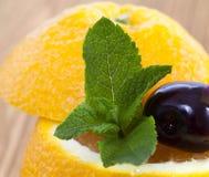 新鲜的水多的桔子 免版税库存图片
