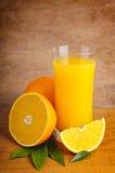 新鲜的汁液桔子 库存照片