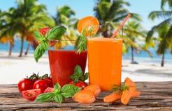 新鲜的汁液混合果子 免版税库存图片