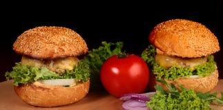 新鲜的汉堡 免版税库存照片