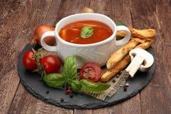 新鲜的汤蕃茄 免版税库存照片