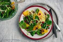 新鲜的沙拉,素食主义者食物 免版税库存图片