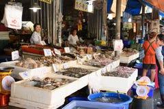 新鲜的海鲜在禁令Phe本机市场上 免版税图库摄影