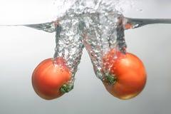 新鲜的游泳水果和蔬菜 免版税图库摄影