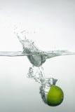 新鲜的游泳水果和蔬菜 图库摄影