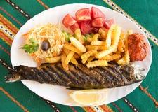 新鲜的烤鳟鱼鱼 免版税图库摄影