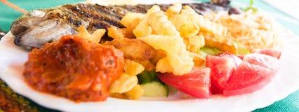 新鲜的烤鳟鱼鱼 图库摄影